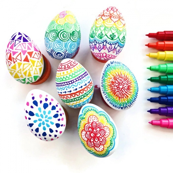Colorful DIY Easter Doodle Eggs
