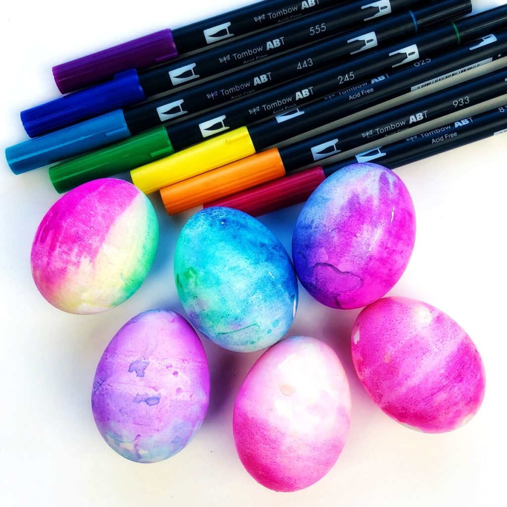 How to Tie Dye Easter Eggs with Brush Pens