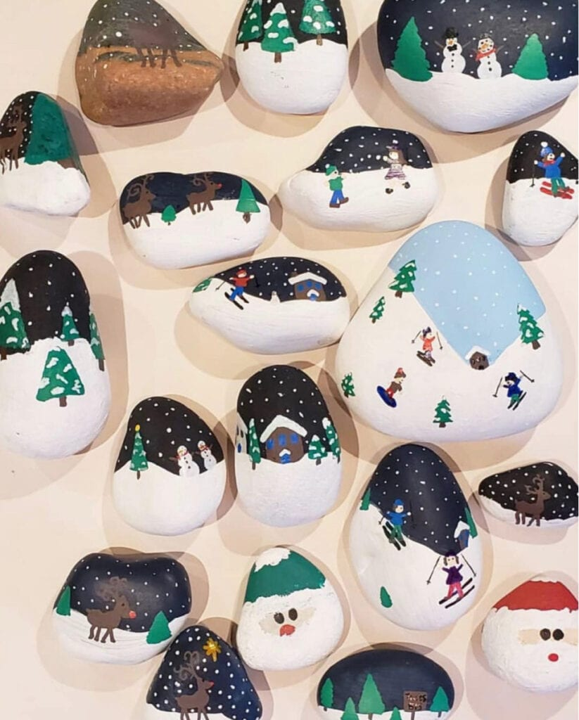 Holiday painted rocks