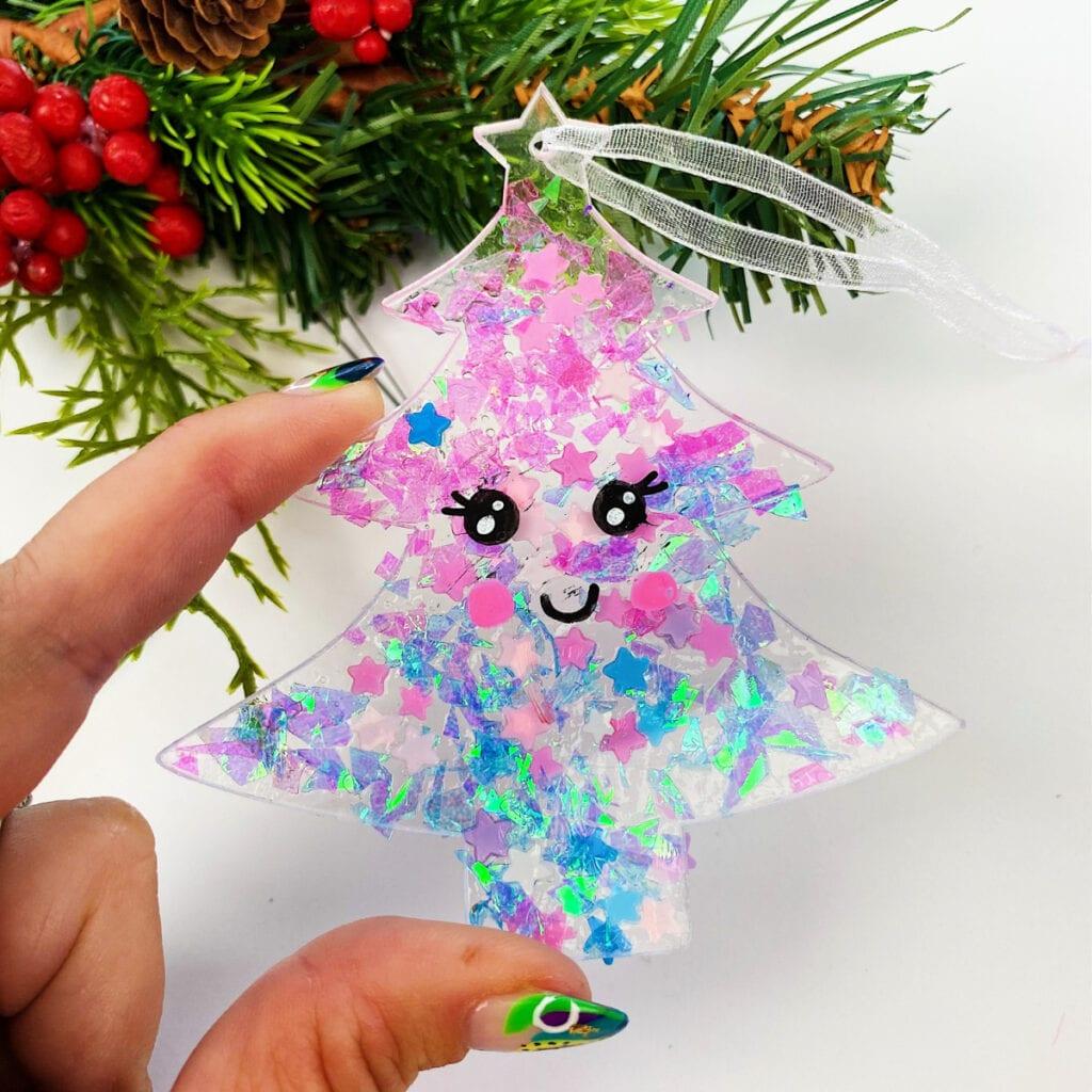 Easy Glitter Ornament Craft